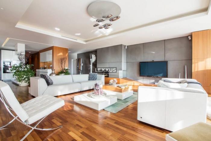 Reality LEXXUS-PREDAJ nadčasovo elegantný 6i byt - Condominium Renessaince, BA