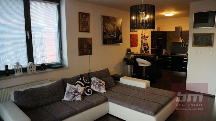 Reality 2 izb. byt na Račianskej ul. Nové Mesto, Lodžia, 5/22 posch. Manhatan