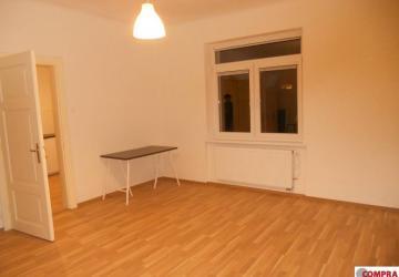 Reality 1 izbový byt 40 m2 s predzáhradkou v RD na Varšavskej ul.