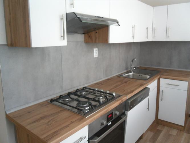 Reality PREDÁM pekný 3izbový byt s loggiou po rekonštrukcii,Košice Terasa