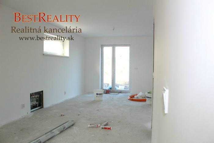 Reality 4 izbový Mezonetový byt s predzáhradkou a vlastným parkovaním NOVOSTAVBA Ivanka pri Dunaji www.