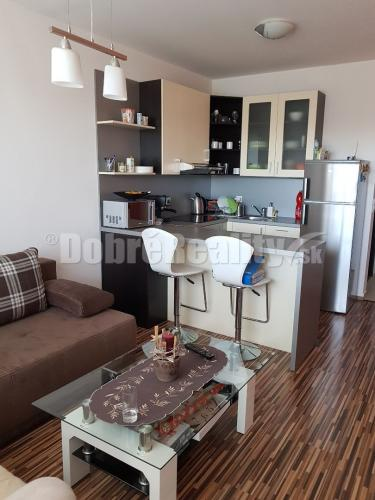Reality Exkluzívne na predaj priestranný 2. izbový byt na ulici Vlčie hrdlo