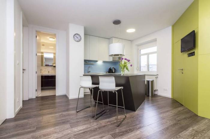 Reality Pekne zrekonštruovaný 3-izbový byt pri Centrali