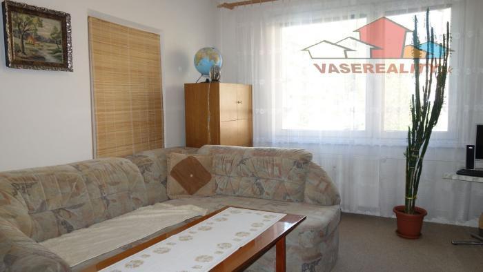 Reality Na predaj 2 izbový byt vo výbornej lokalite mesta Trenčín, Beckovská, 52 m2