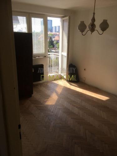 Reality 1- izbový byt na Halášovej ulici