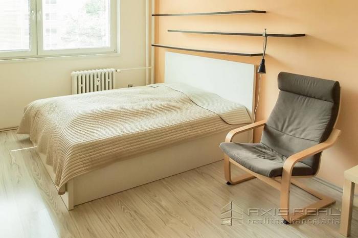 Reality 1-izbový byt, Bratislava IV. Dúbravka, Drobného ulica