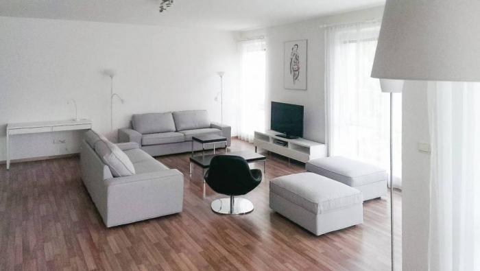 Reality Zariadený 4-izbový byt v Horskom parku