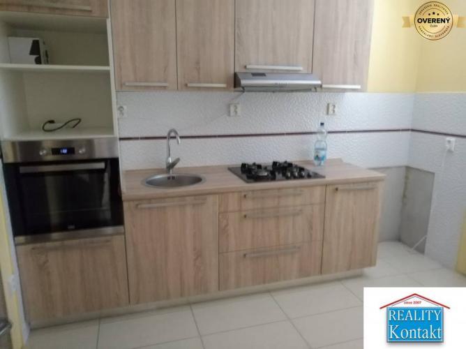 Reality Ponúkame na predaj 3-izbový byt v Nových Zámkoch