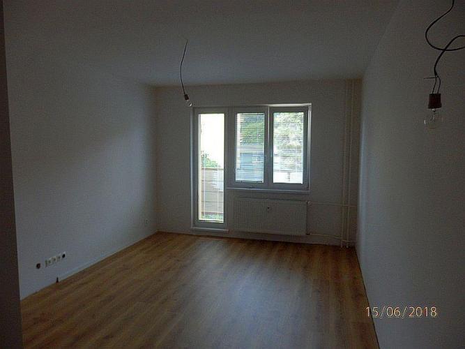 Reality Na prenájom novozrekonštruovaný 2-izbový byt na Pionierskej ulici (Lány) v Považskej Bystrici