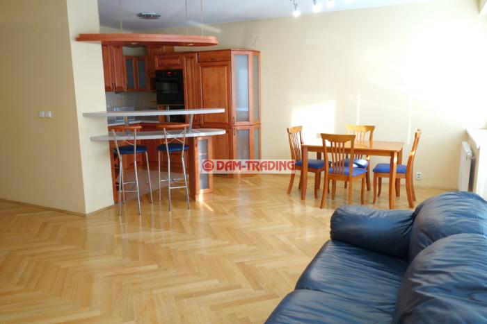 Reality NOVOSTAVBA - Komplet zariadený 2 izb. byt s parkovaním, 75m2 + loggia 9,5m2 – PAŽÍTKOVÁ