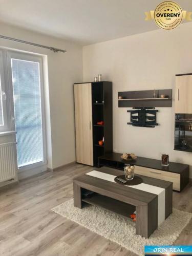 Reality 2izbový priestranný byt v Slovenskom Grobe