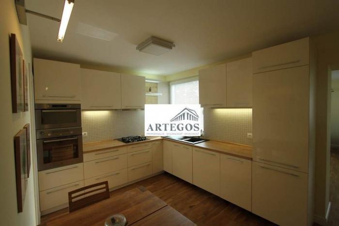 Reality 4 izbový byt v Starom meste-tichá lokalita