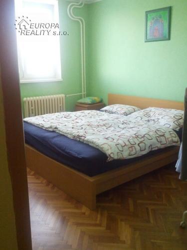 Reality Prenájom 2-izb. bytu s klimatizáciou – BA Ružinov