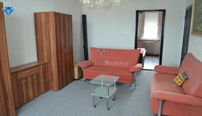 Reality Na predaj 3 izbového DRUŽSTEVNÉHO bytu v Seredi