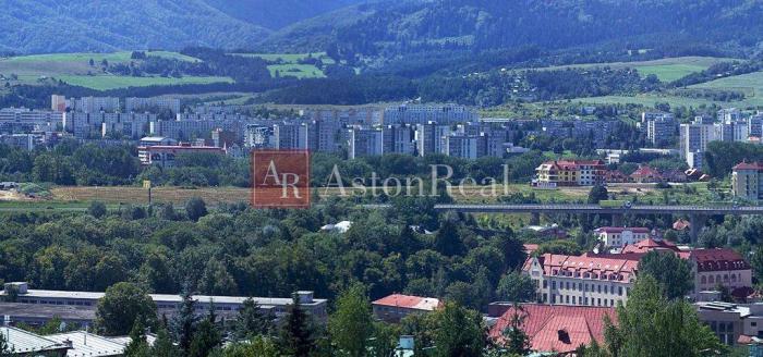 Reality Hľadám pre nášho klienta 2-izbový byt Banská Bystrica - Jesenský vŕšok