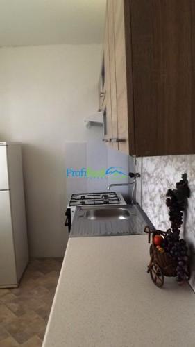 Reality Slnečný 2-izbový ,čiastočne zariadený byt v centre Popradu