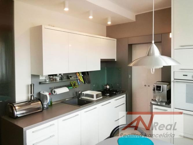 Reality Na predaj, 3 izbový byt po rekonštrukcii, Sibírska, Prešov-Sekčov