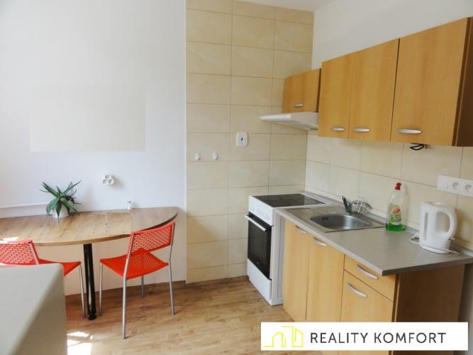 Reality Zrekonštruovaný 2.izb.byt s loggiou v Ružomberku