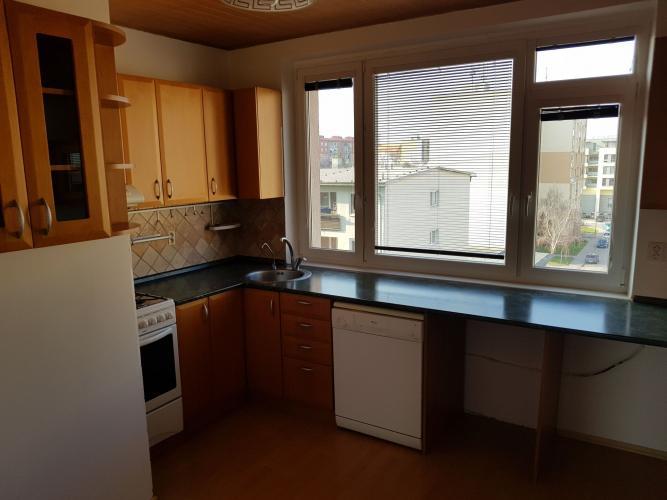 Reality KRÁSNY A ZREKONŠTRUOVANÝ 3 izb byt so slnečnou LOGGIOU v CENTRE mesta !