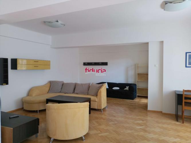 Reality Prenájom čiastočne zariadený 2 izb. byt 75m2 s loggiou 2,8m2, Janáčkova ul., BA I., Staré Mes