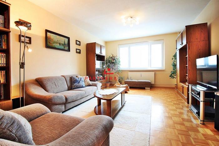 Reality Veľký a príjemný 3-izb. byt, 82m2 s loggiou, zelený panoramatický výhľad + ideálna poloha,