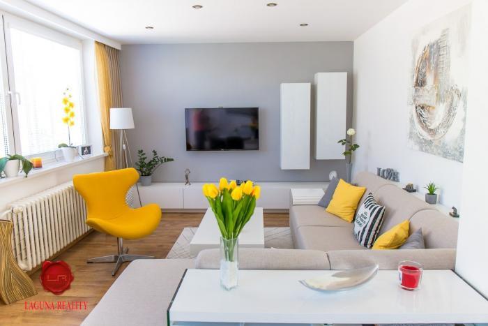 Reality Nadštandardný 4-izbový byt s terasou a garážou Sp. Nová Ves