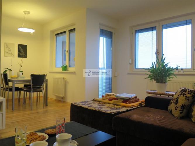 Reality Na predaj slnečný, 3-izbový byt na Klincovej ul., v lokalite Bratislava - Nivy v Ružinove.