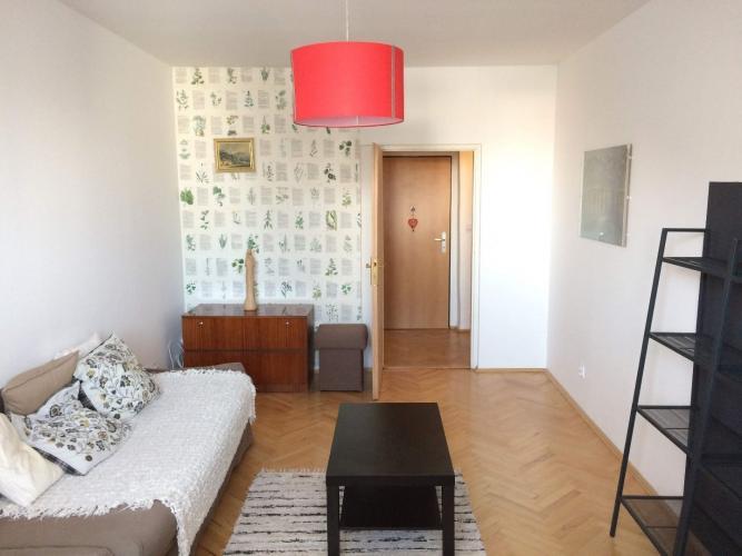 Reality COLLDEEDs rental – prenájom 2 izb bytu v tehlovom dome s vysokými stropmi v centre, Bukurešťsk