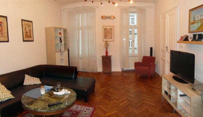 Reality COLLDEEDs rental – prenájom 3 izb. bytu po kompletnej rekonštrukcii v tehlovom dome s vysokými