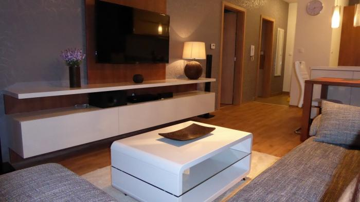 Reality COLLDEEDs rental – prenájom moderného 2 izb. bytu v novostavbe s garážovým státím v Perle R