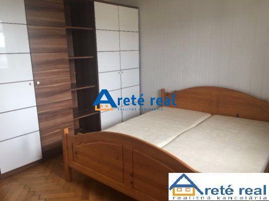 Reality Areté real, Prenájom 2-izbového zariadeného bytu v tichej lokalite v Modre, Dukelská
