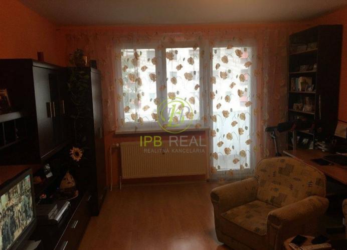 Reality 2-izb. byt s dvomi loggiami na Hlaváčikovej ul. na Dlhých Dieloch