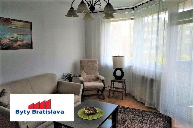 Reality RK Byty Bratislava ponuka na prenájom zariadený 2-izb. byt na ul. Jégeho, Bratislava II