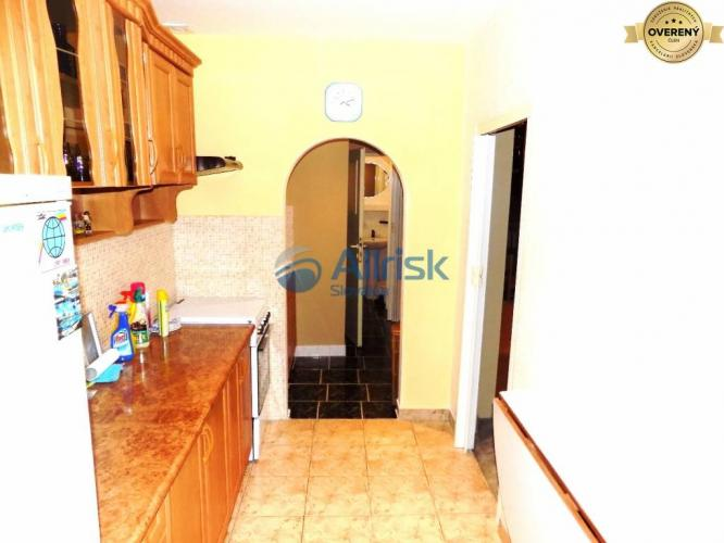 Reality 2 izbový byt na Haburskej ul. na prenájom
