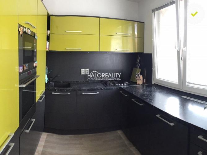 Reality Predaj, trojizbový byt Vrakuňa, Bratislava II, Rajčianska - s garážou