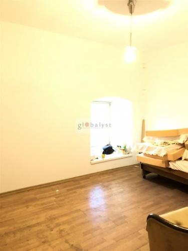 e2e37467952c Reality 3 izbový byt v obytnom dome s vlastnou záhradou a altánkom