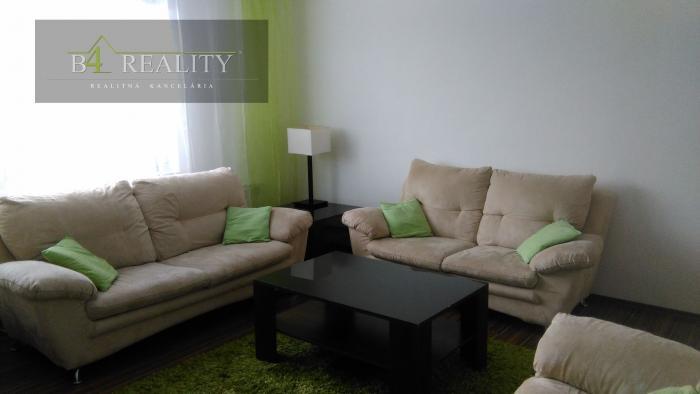 Reality 3 izbový slnečný byt v rodinnom dome, 84 m2 + parkovacie miesto, internet / Mníchova Lehota