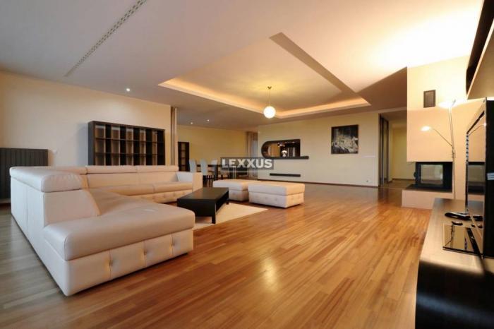 Reality LEXXUS-PREDAJ atraktívny 5 izbový byt v Condominium Renesaince - garáž