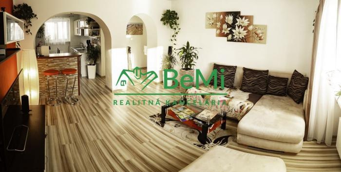 Reality Ponúkame Vám pekne prerobený 2.izbový byt na Bulvári, komplet zariadený.253-112-MIO