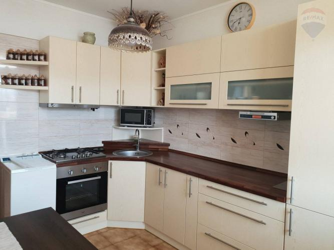 Reality Predaj 3 izbového bytu na sídlisku Zapotôčky