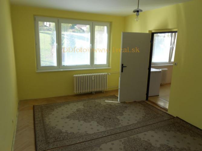 Reality 1 izbový byt v Banskej Bystrici na Fončorde