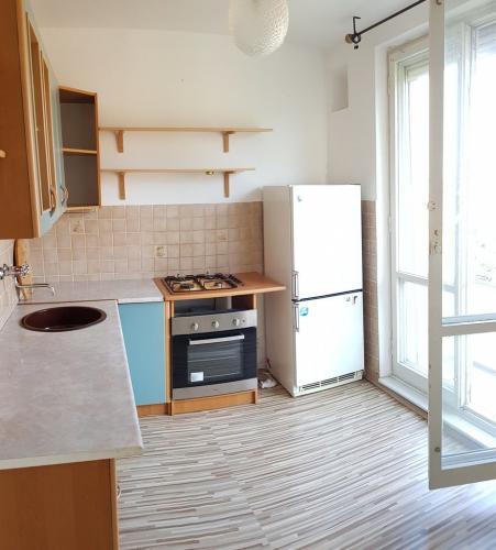 Reality Pekný a priestranný byt s balkónom a loggiou vo vyhľadávanej lokalite !