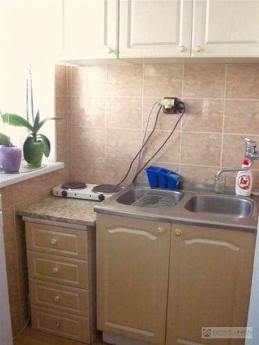 Reality Predám garsónku, ulica Vlčie hrdlo, na prvom poschodí(pod bytom ešte jeden byt) v tehlovom dome
