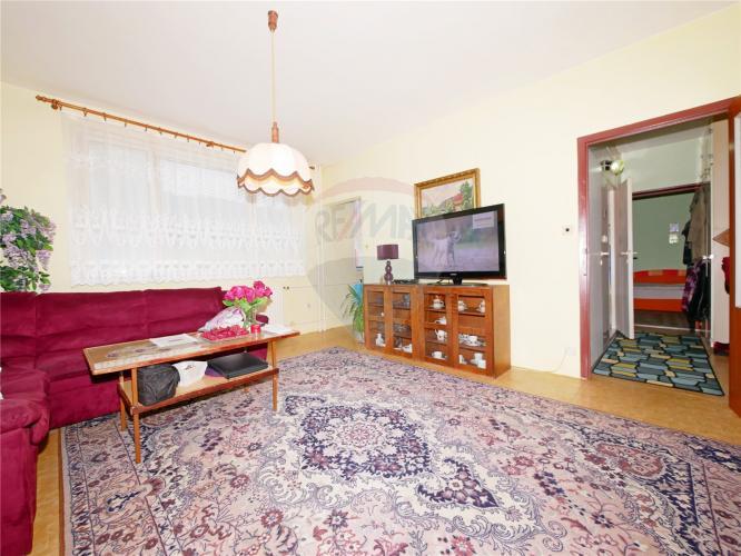 Reality PREDAJ: 2 izbový byt v pôvodnom stave s lodžiou na Klačne, Ružomberok