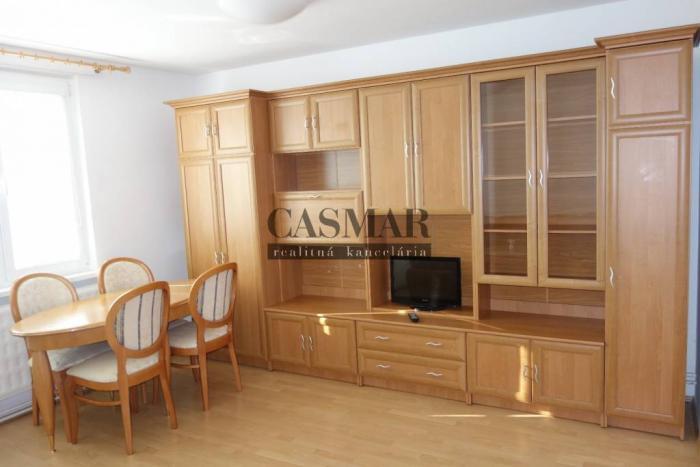 Reality CASMAR RK prenájom 3 izb. byt s loggiou, Vl. Clementisa, Družba