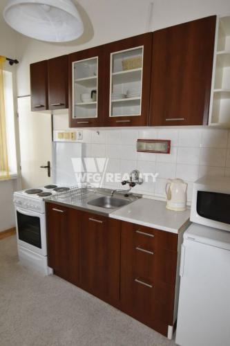 Reality IBA U NÁS!!! 1 izbový tehlový byt v centre Žiliny, časť Malá Praha