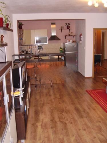 Reality COMFORT LIVING ponúka - Kompletne zariadený 1 izbový byt (55 m2) s oddelenou spacou časťou