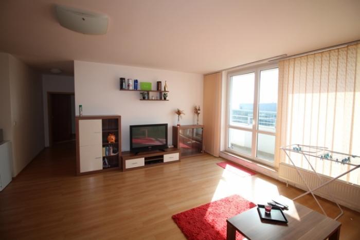 Reality Prenájom 3-izbového bytu na Tomášikovej ulici, KOLOSEO