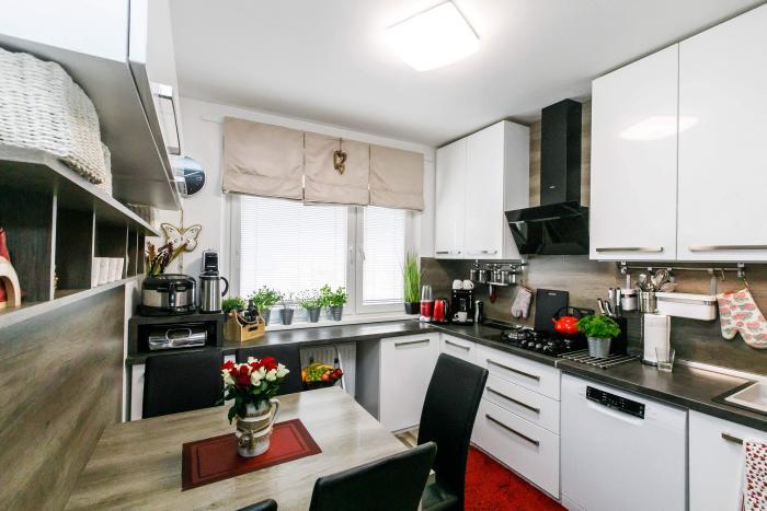 Reality Na predaj zariadený, veľký 3 izbový byt v OV v  Košiciach - Ťahanovce, ul. Berlínska