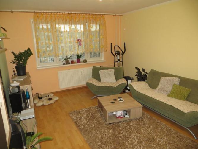 Reality 3-izb.byt s logiou,kompl.rekonštrukcia,Maďarská,Ťahanovce